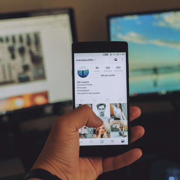 Biar Gak dikira Galau, Hindari 5 Postingan Ini di Sosial Media! unsplash